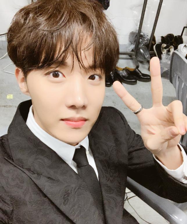 방탄소년단 제이홉 팬모임, 제이홉 생일기념 유기견 사료 기부